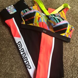💥NEW VS Pink Legging Sports Bra Bundle 34B XS